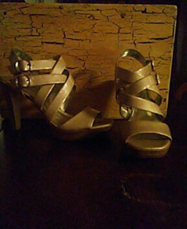 Style &co. Never worn.  Size 9