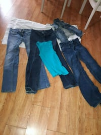 Juniors size 5 jeans Frankfort Square, 60423