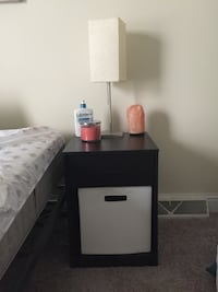 Small nightstand with cube