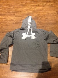 Under Armour men's sweatshirt large