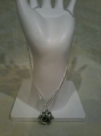 Silver rose necklace  Fort Saskatchewan, T8L 4R3