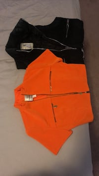 2 woman top vest 4 dollar each Markham, L3P 0S8