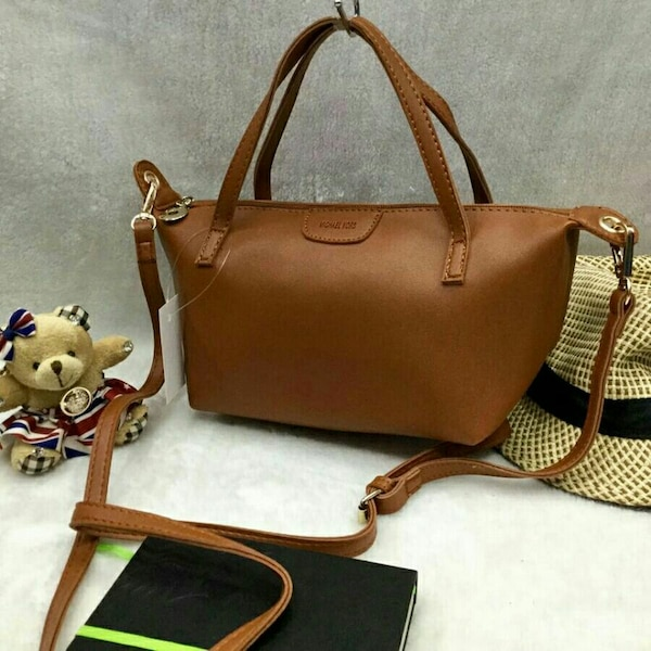 c56907e9914b Used pambabae brown leather 2-way bag for sale in Manila - letgo