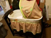 baby's green and white bassinet Ansonia, 06401
