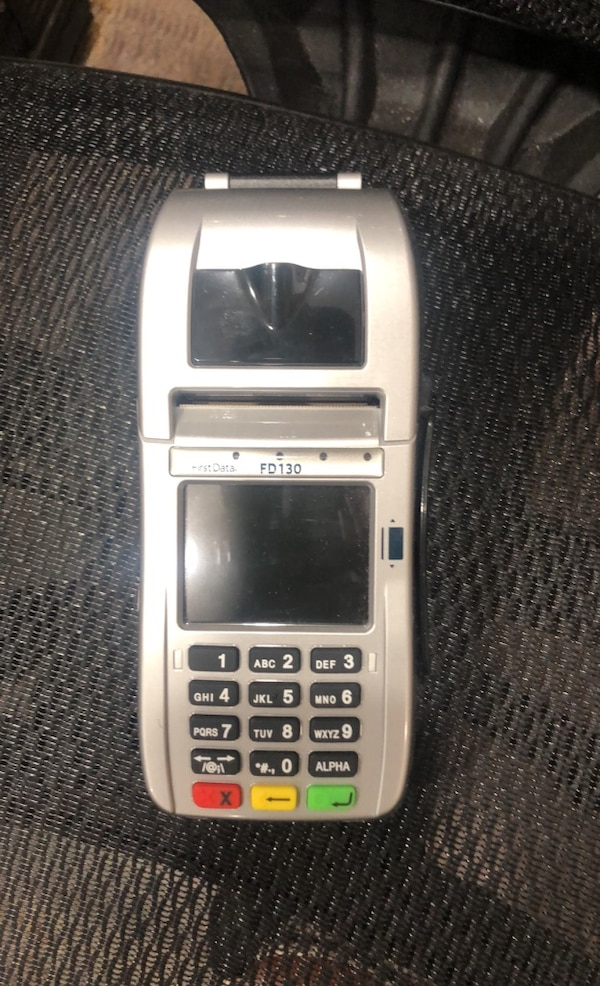 Credit card machine 867077e3-f3f4-4a70-ad9b-9a9931ae8fb4