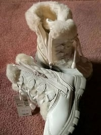 NWT size 8 toddler boots Markham, L6C
