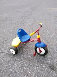 Radio Flyer trike with storage and Bell