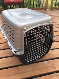 Petmate 28in Nice size Kennel Dog or Cat carrier cage Oakville, L6H 1B8