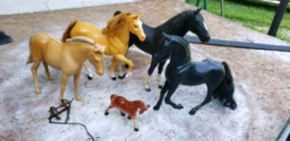 Lot of Vintage horse statues