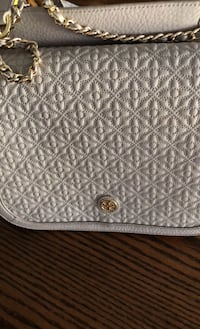 Gorgeous Grey and Gold link chain Tory Burch purse Vaughan, L6A 2A2