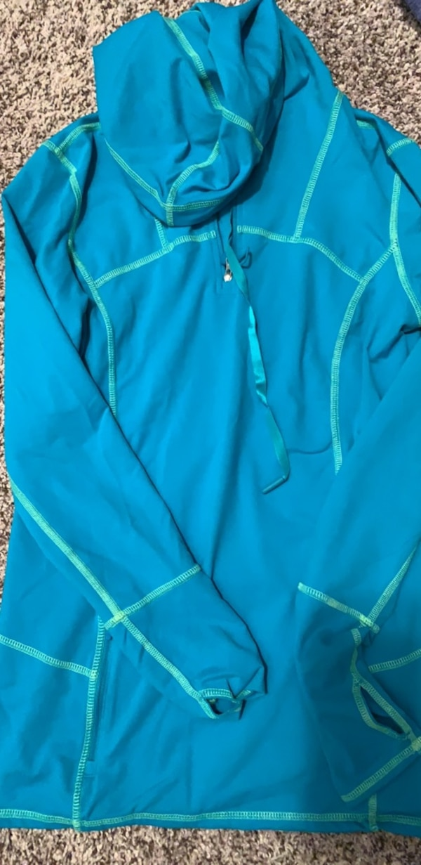Kirkland Size Small Active Hoodie