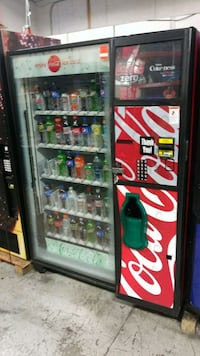 Soda vending machine fully working  Gaithersburg, 20879