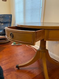 Antique table West Des Moines, 50266