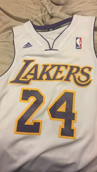 white and purple Los Angeles Lakers  Kobe Bryant 24 jersey shirt size small