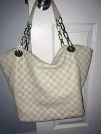 Louis vuitton leather tote bag Chilliwack, V2P