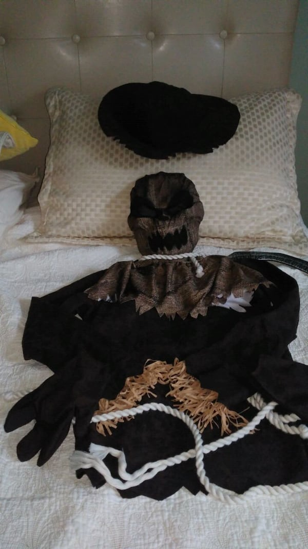 Wicked scarecrow kids costume excellent condition 4cedf0f2-d072-43d3-bf44-61e0ba8ac769