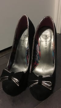 Black shoes size 6 Mississauga, L5B
