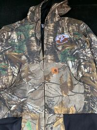 Carhartt Mens Camo Zipup Jacket Men's small Manhasset, 11030