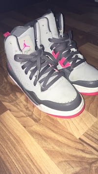 pair of white-and-gray Air Jordan shoes Mississauga, L5E 3E2