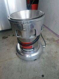 Juicer for any kind of produce very good condition Mississauga, L5B 2C9