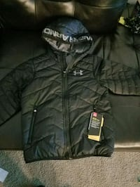 BNWT boys youth small under armour fall coat Grand Haven, 49417