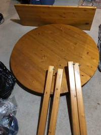 "46"" Diameter with extension hardwood table needs a little sanding. Mississauga, L5V 1S8"