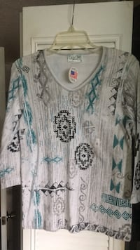 white and blue floral scoop-neck long sleeve shirt Pompano Beach, 33069