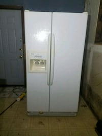white side-by-side refrigerator with dispenser Lockport, 60441