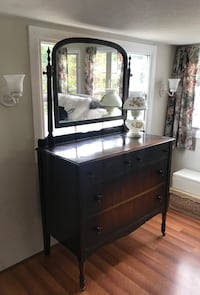 1920's Antique Vanity Dresser on Wheels Kelowna, V1W