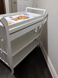 Baby changing table Brampton, L6V 3M5