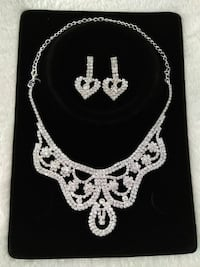 New Earrings and Necklace Set Whitchurch-Stouffville, L4A 4H8