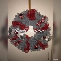 red and gray floral wreath