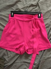 pink and white Nike shorts Los Fresnos, 78566