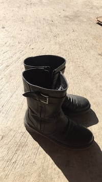 pair of black leather single-buckled round-toe mid-calf boots Mississauga, L5N 8C1