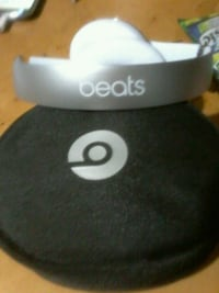 white Beats by Dr. Dre headset with black case Calgary, T1Y 3V5