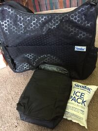 Similac diaper and formula bag that includes two ice packs Inside it