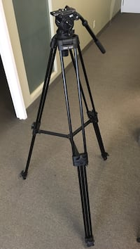 Brand new Nest M-10 video tripod Markham, L3R 9X5