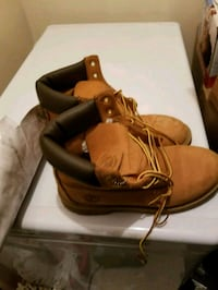 pair of wheat Timberland nubuck work boots with ob Whitby, L1N 6A1