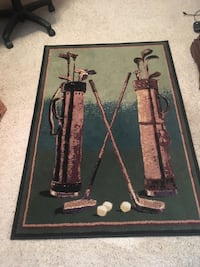 """3' 3""""x 4' 4"""" golf rug.  great condition. no spots or stains. nonsmoking home."""