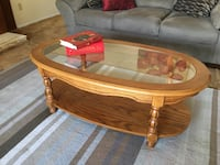 Beautiful matching solid wood coffee and end table Coquitlam, V3C 3P9