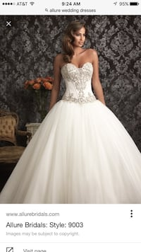 women's white floral sleeveless wedding gown Los Angeles, 91352