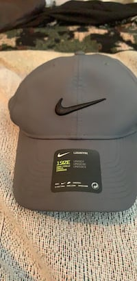 black and gray Nike fitted cap Jacksonville, 32209
