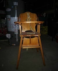 Older brown wooden high chair Heidelberg, N0B 1Y0