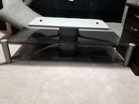 "Tv stand and 55"" jvc hdila tv  Thorold, L2V 5B1"