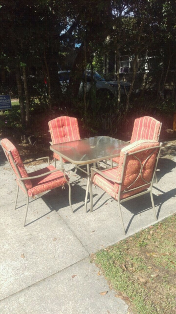 Good metal cushioned outdoor patio set