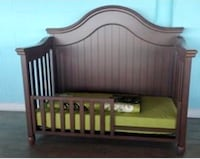 4 in 1 Crib with toddler rail. Real solid wood Brampton, L6X 3V2