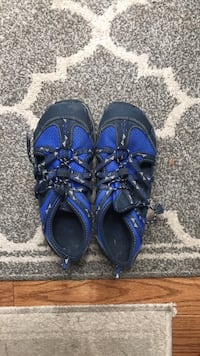 Pair of blue-and-black water shoes Bethesda, 20817