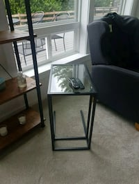 Coffee table  - great condition Duvall, 98019