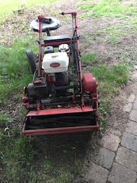 Red and black reel mower North Chicago, 60064