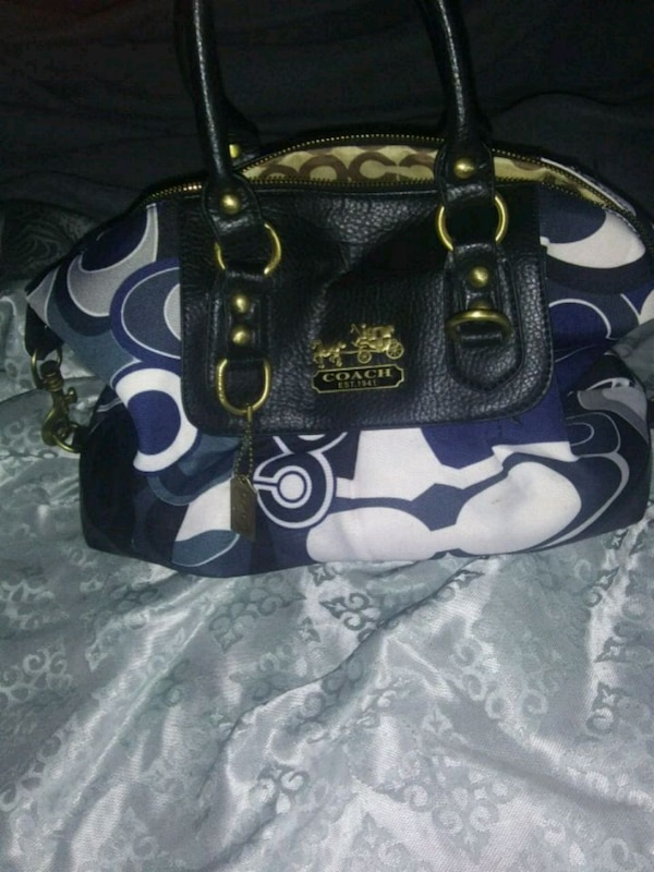 297dc2233f Used Authentic Coach purse for sale in Cambridge - letgo